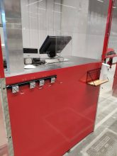 mostrador mueble caja con protección frente a covid + accesorios (1)